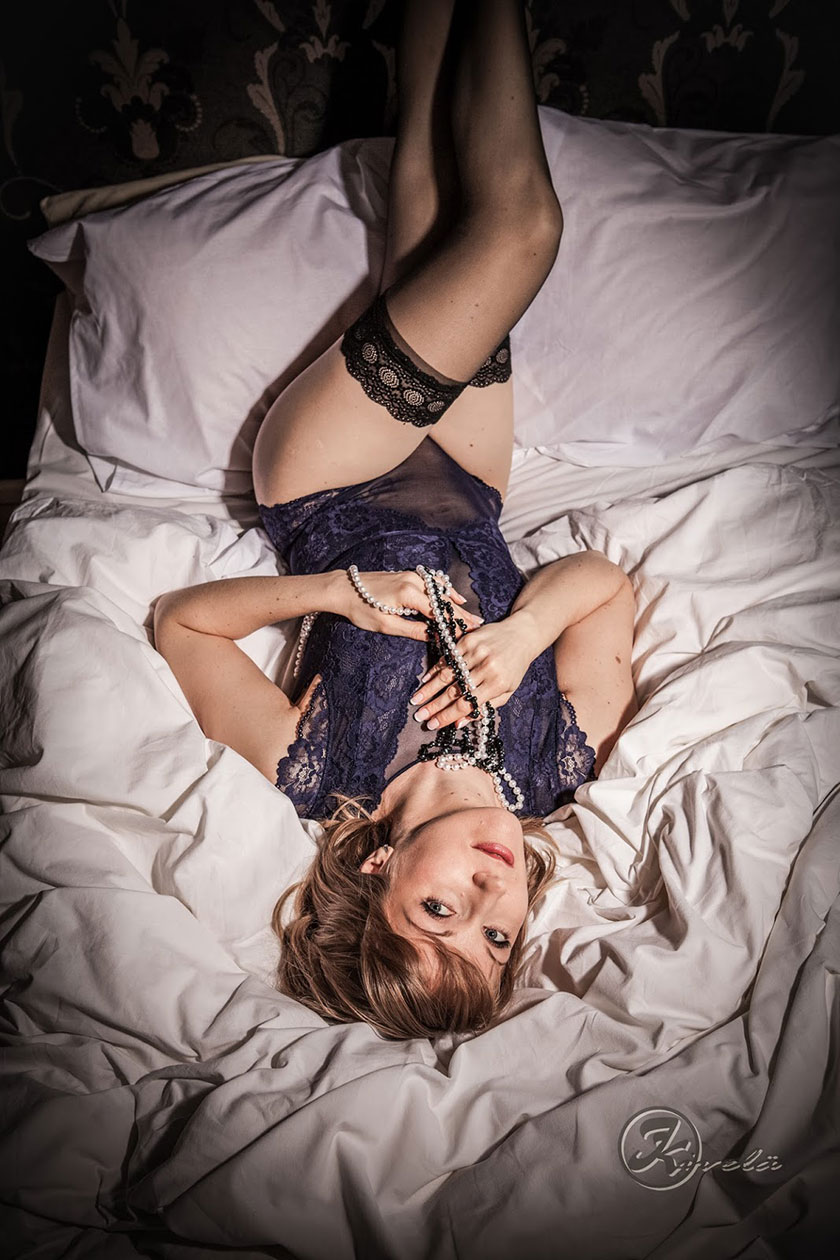johannas-beautiful-boudoir-pictures-were-taken-by-johanna-kivela-photography