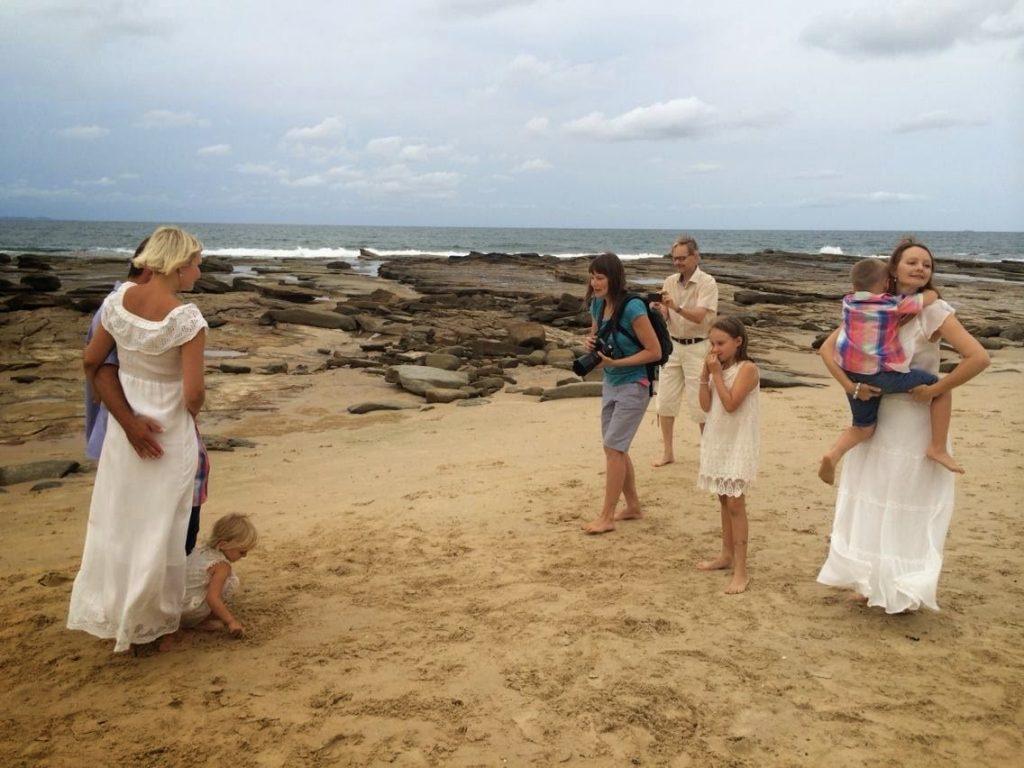 elina-beachilla-kuvaamassa